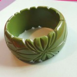 Genevive thick carved fakelite bangles Green